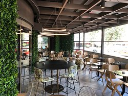 Sophisticated & Chic interior to enjoy your coffee, snack or lunch!