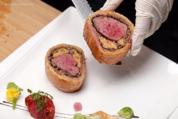 Signature beef Wellington