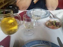Vinho Alentejano e Azeitonas