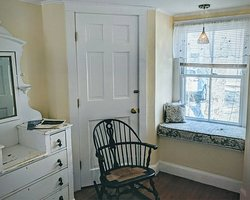 Lupine Window Seat