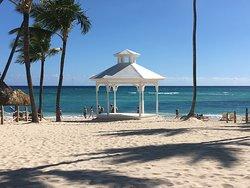 Majestic Colonial Beach Area