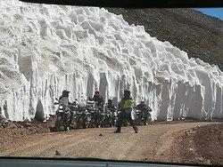 Viajeros hospedados en La Comarca haciendo el paso a Chile por Aguas Negras.  Glaciares.