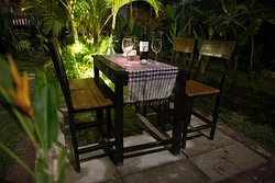A calm and private dining area for 1-4 people