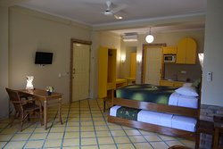 Family studio suite with kitchenette