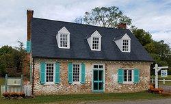 Mobjack Bay Coffee Roasters, Historic Cole Digges House,Yorktown,Virginia. Yorktown National Historical Colonial Battlefield Park.