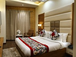 Hotel Makhan Residency