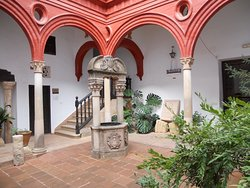 Palacio de Mondragon