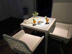 Private terrace dining area - Ocean View Villa