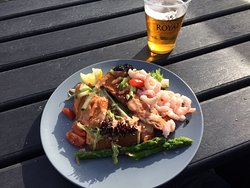 Very good coffee and homemade cakes. Fantastic Stjerne Glimt - fresh local fish on toast with prawns, caviar and asparagus for 80 DKK - £8!!! Good beer Royal.