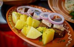 селедка с луком и картофелем