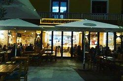 "Pizzeri Bar Restorant ""Anchor"""