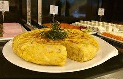 Detalle Buffet de Desayunos.   Tortilla recién hecha cada mañana