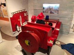 Brandweerauto in het kinderboekenmuseum