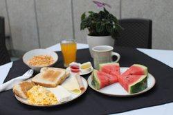 Desayuno estilo americano.