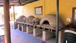 Los hornitos de barro para cocinar el pan
