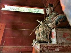 隋神門裏側の大臣像