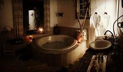 Lugar lindo, acolhedor ótimo para relaxar sair da rotina , pra lua de mel, e até para um lindo casamento...