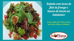 Temos outras opções de saladas, todas gostosas, mas essa é campeã de sabor....yummy...