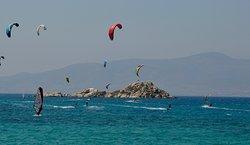riding- Naxos kitelife kitesurfing school