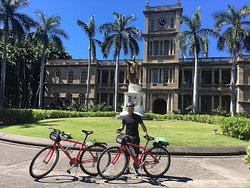 Bikeadelic Hawaii's guided bike tour of Historic Honolulu takes us to see the King's statue
