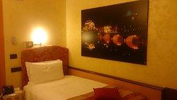 Einzelzimmer - Blick zum Bett
