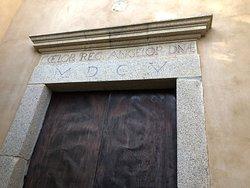 Portale dell'ingresso alla Chiesa