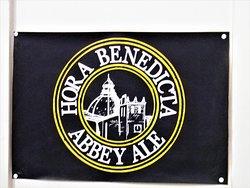 Hora benedicta, la marca della birra prodotta nel laboratorio dell'abbazia.