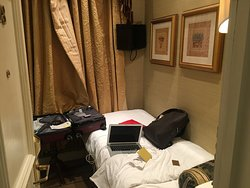 this a 140 GBP room of less than 43 square-feet / 4 m2....I had to take that picture from the corridor....note that there is not enough room on the floor to open your suitcase....