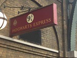 Hogwart's Express sign.