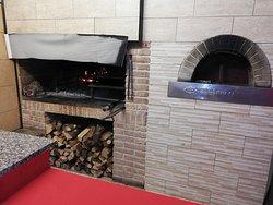 il camino e il forno per le pizze e molto altro