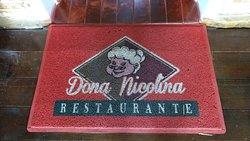 Detalhe com o nome da bisavó que empresta o nome ao restaurante