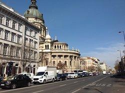 ...la Basilica di Santo Stefano in centro di Budapest...