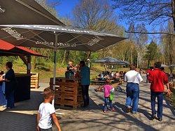 Impressionen vom Biergarten im Mühlenpark