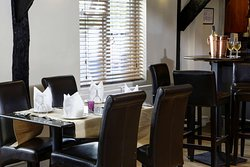 gatwick skylane hotel dining