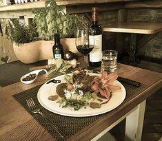 Wine Bar & Restaurant Sova