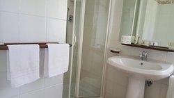 Appartamento - Il Poggio - Doccia e Lavandino.