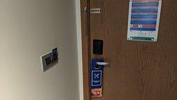 King Deluxe Room: Door and locks.