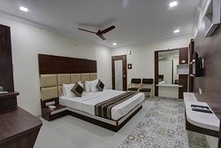 A/c Superior Deluxe King Bed Room Size 260 Sqft