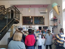 Hoggy's Ice Cream is a popular new spot in downtown Frankfort.
