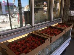 Sorbet fraise guariguettes bio des Landes en préparation