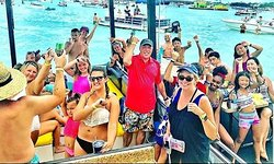 Crab Island Water Taxi Shuttle Boat of Destin, FL Happy Customers and Families making Memories with us.
