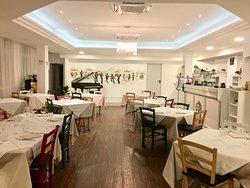 Viale Ceccarini Bistrot Restaurant