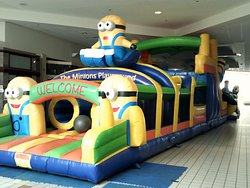 Minions obstacle course