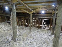 L'intérieur de la mine d'améthystes