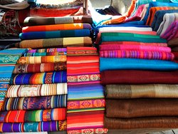 Learn Spanish and enjoy the most beautiful handicrafts made by indigenous people
