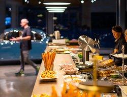 DieCarBarn Bar versorgt euch mit genug Leckerein und kann für den traditionellen Apero bis zum professionellen Catering komplett umgestaltet werden. Foto: O.Selzer