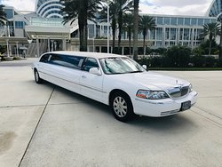 10 PASS LINCOLN STRETCH LIMO