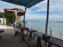 Chill place with great view of the sea.it's recommended