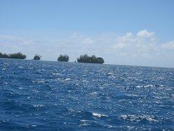 青い海と島々