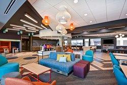 Tru by Hilton Orangeburg Lobby